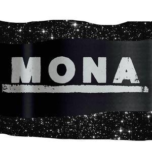 Mona Le Family