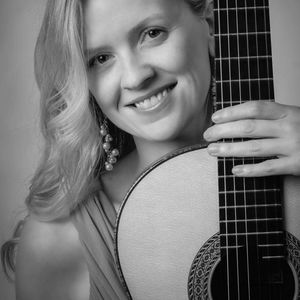 Candice Mowbray Classical Guitarist Greencastle