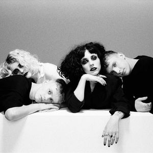 PALE WAVES Weston
