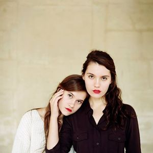 Lily & Madeleine Troubadour