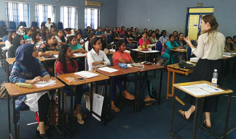 Singer Fashion Academytakes Fashion Design Education To The Next Level Adaderana Biz English Sri Lanka Business News