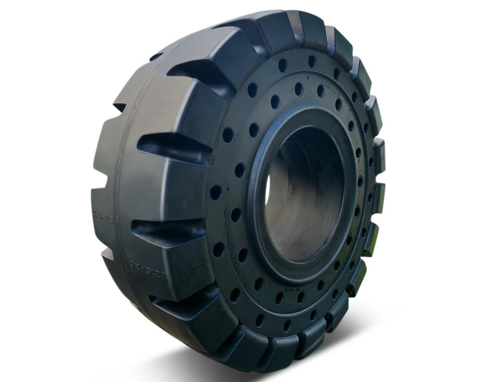 """LAUGFS Rubber Illustrates Superior Design and Manufacturing Capability with the Largest Tyre """"Made in Sri Lanka"""""""