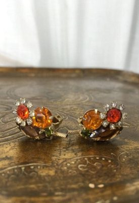la boudoir miami orange flower clip earrings (3)