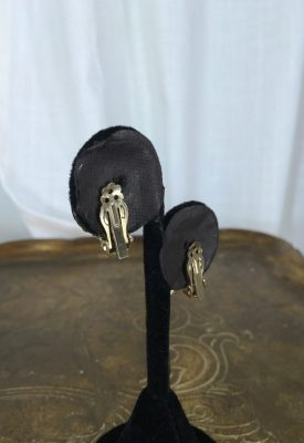 la boudoir miami orange flower clip earrings (2)
