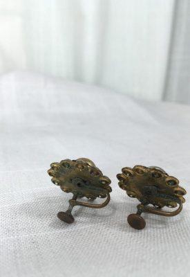 la boudoir miami gold & pearl screwback earrings (2)