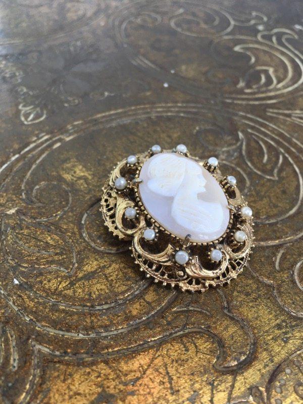 la-boudoir-miami-antique-gold-cameo-brooch-1