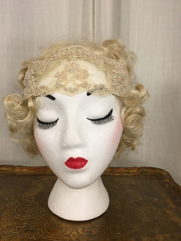 la-boudoir-miami-lauren-arkin-1920s-beige-beaded-lace-headpiece-2
