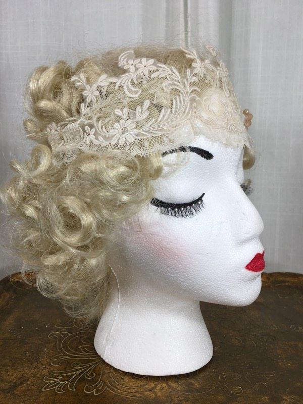 la-boudoir-miami-lauren-arkin-1920s-beige-lace-headpiece-with-peach-flower-4