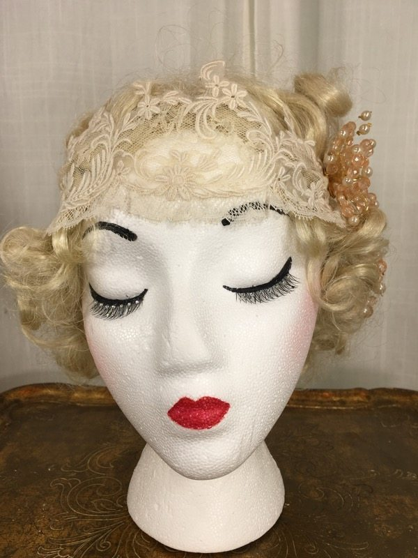 la-boudoir-miami-lauren-arkin-1920s-beige-lace-headpiece-with-peach-flower-4