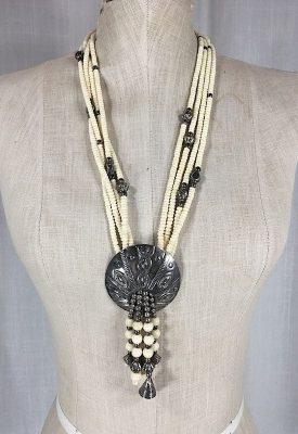 la-boudoir-miami-1970s-shell-bead-necklace-3