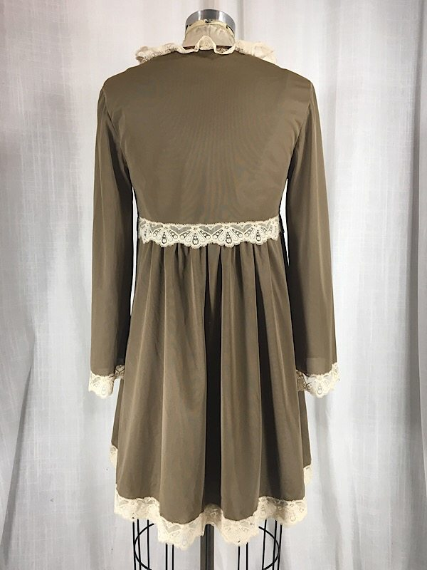 la-boudoir-miami-1960s-brown-beige-lace-babydoll-peignoir-set-1