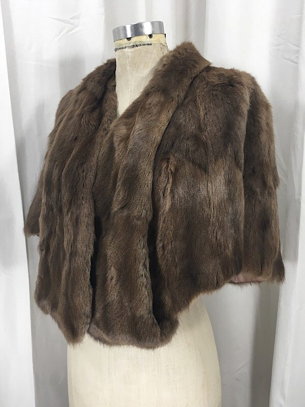 la-boudoir-miami-1940s-brown-fur-stole-2