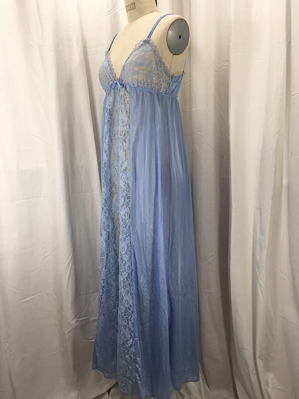 la-boudoir-miami-1970s-blue-lace-nightgown-2
