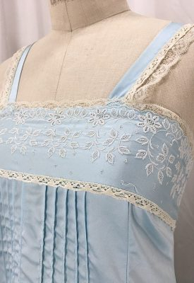 la-boudoir-miami-1950s-blue-embroidered-nightgown-2