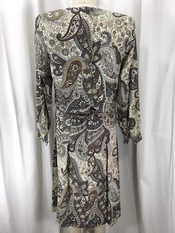 la-boudoir-miami-1980s-grey-paisley-print-pleated-dress-with-suede-pockets-2