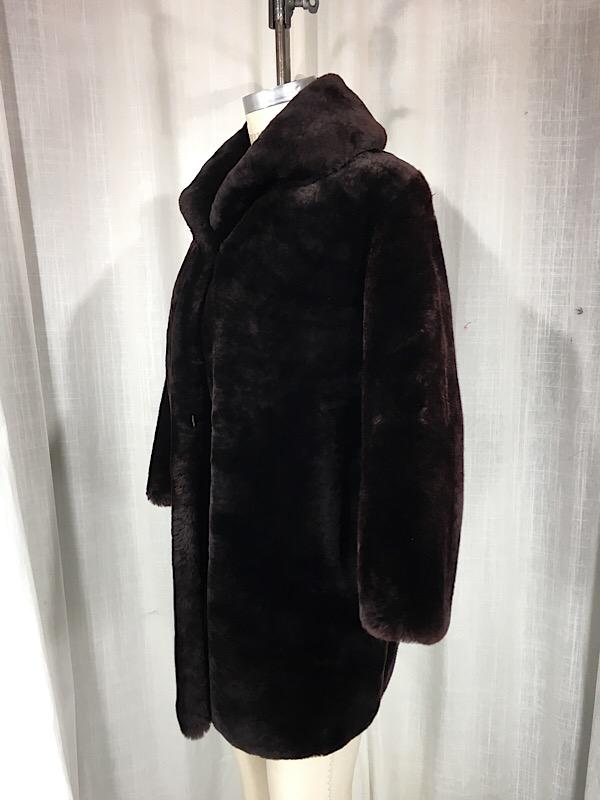 la-boudoir-miami-1960s-dark-brown-mouton-mid-length-fur-coat-10