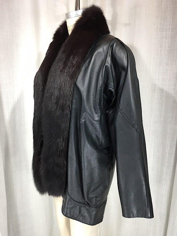 la-boudoir-miami-1980s-black-oversized-leather-jacket-with-silver-fox-collar-1