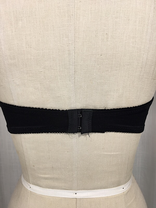 la-boudoir-miami-1960s-black-lace-strapless-bra-6