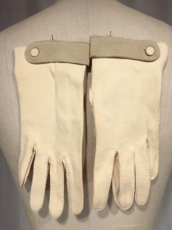 la-boudoir-miami-1950s-vintage-beige-and-grey-cloth-gloves-5