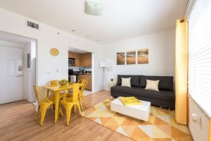 Miami Beach 1 Bedroom Apartment on Collins Avenue – 28960022
