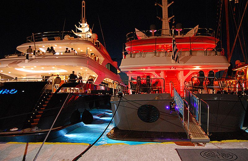 SoBeautiful Lifestyle - sail-party-boat