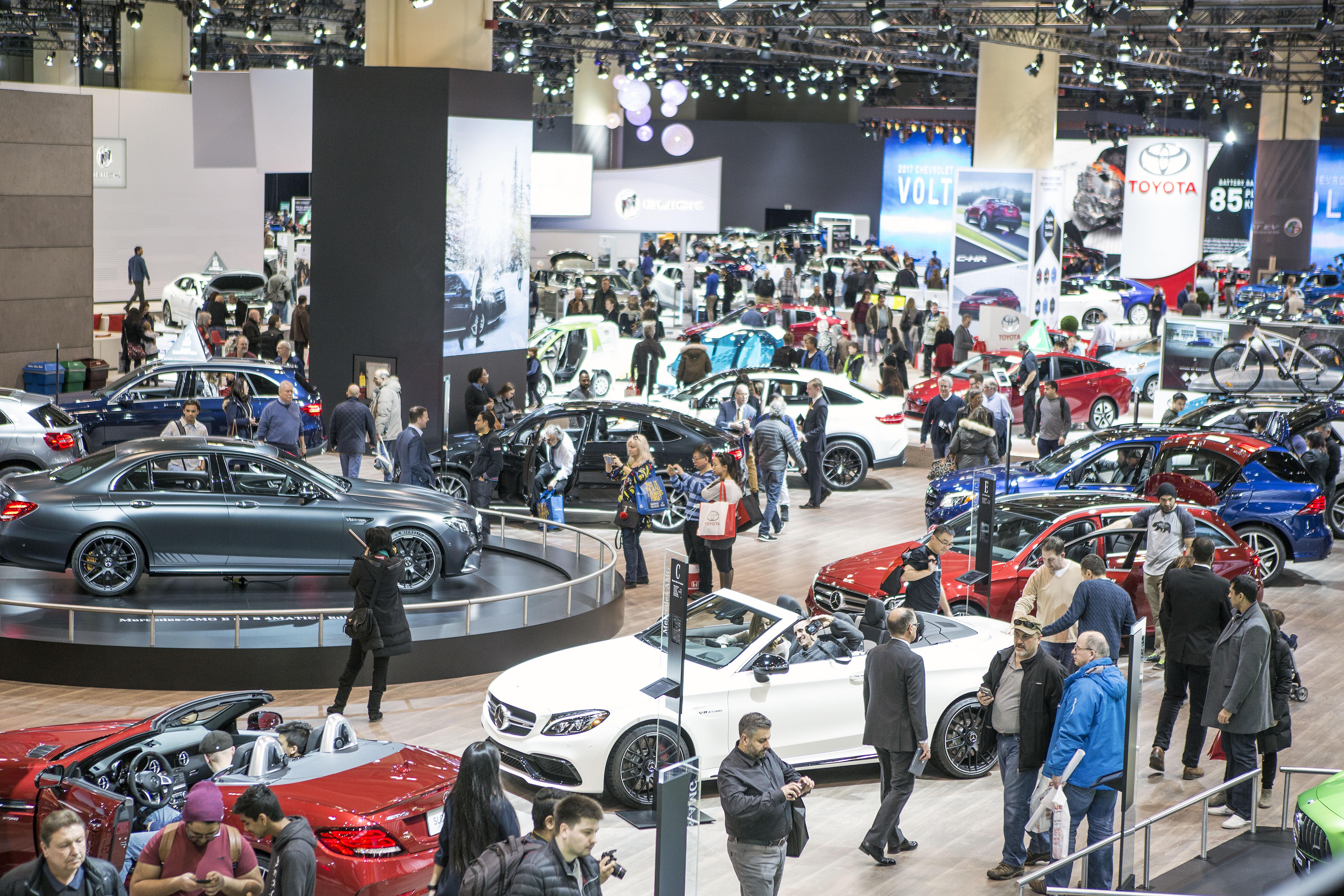 AutoShow CHRISTMAS WITH THE STARS - Discount auto show tickets