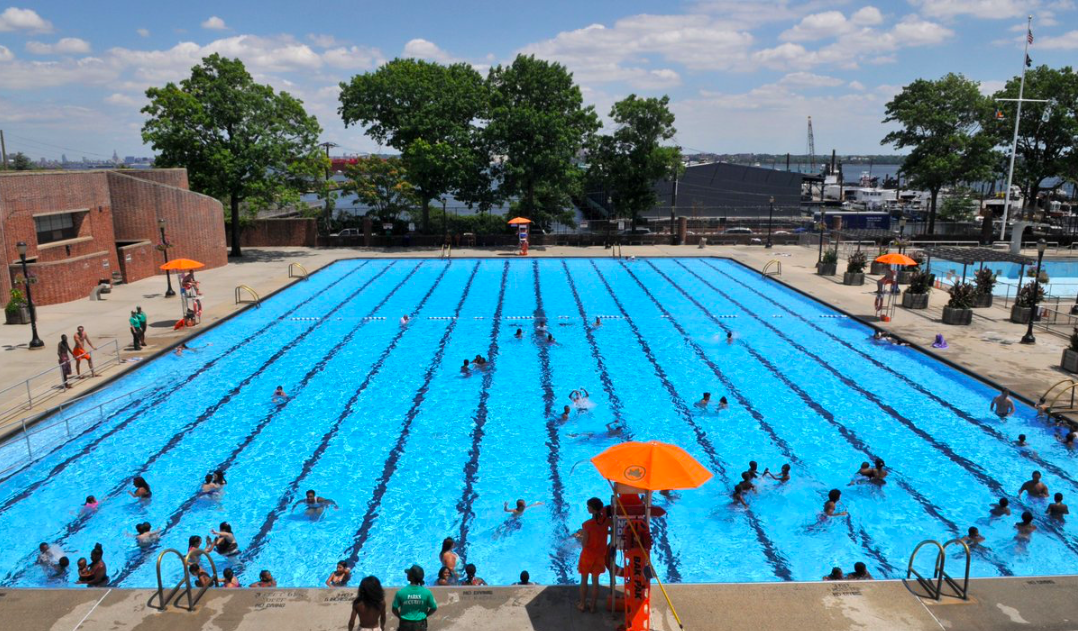 Brooklyn s public outdoor swimming pools are open for the season bklyner for Swimming pools open to the public