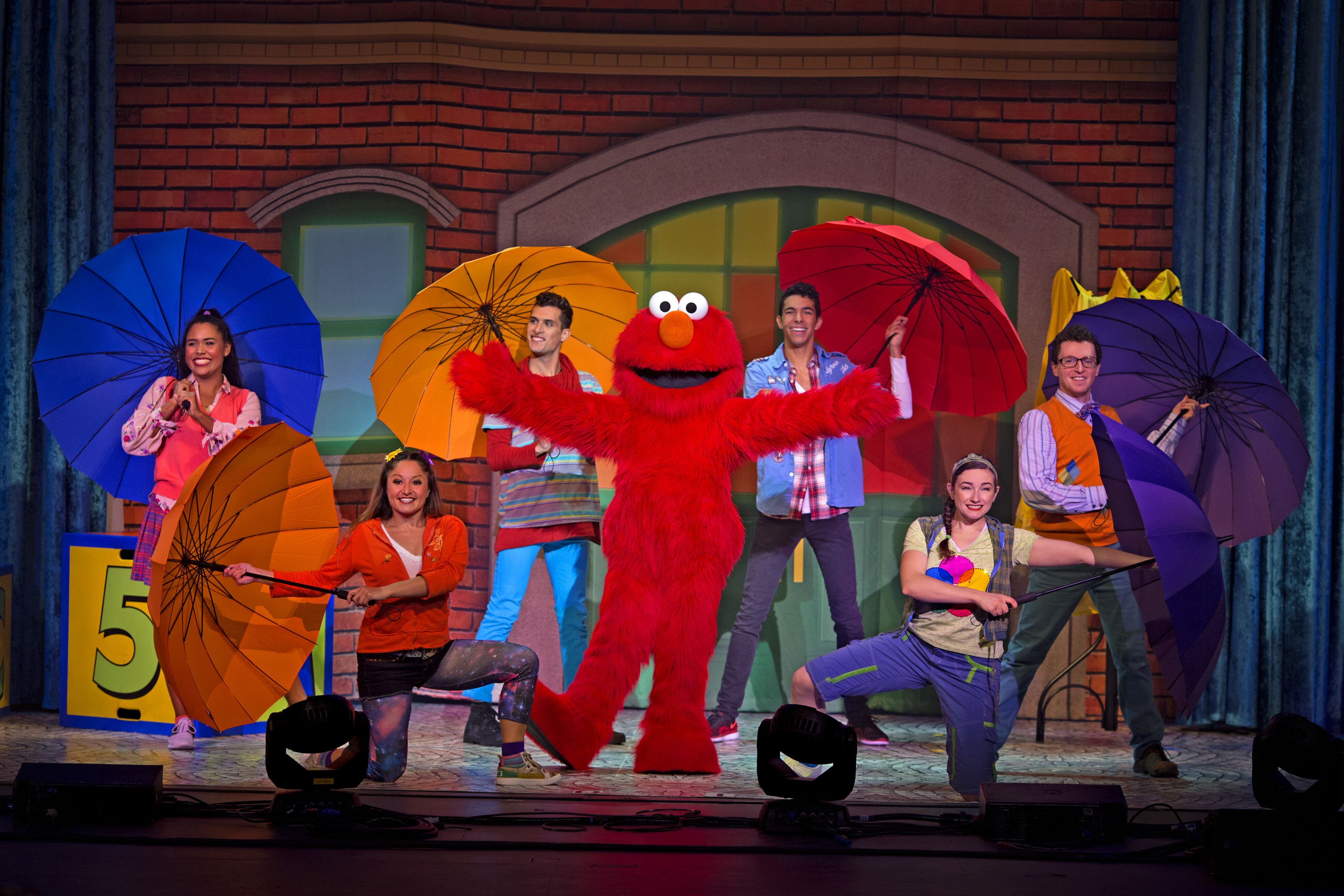 Dont miss out sesame street live lets party is coming to sessame street live lets party courtesy of feld entertainment m4hsunfo