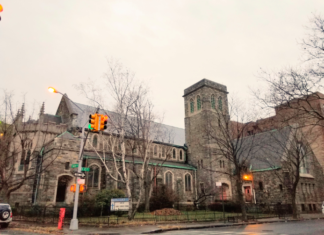 Flatbush Presbyterian Church on Foster and East 23rd in November of 2018. Liena Zagare/Bklyner