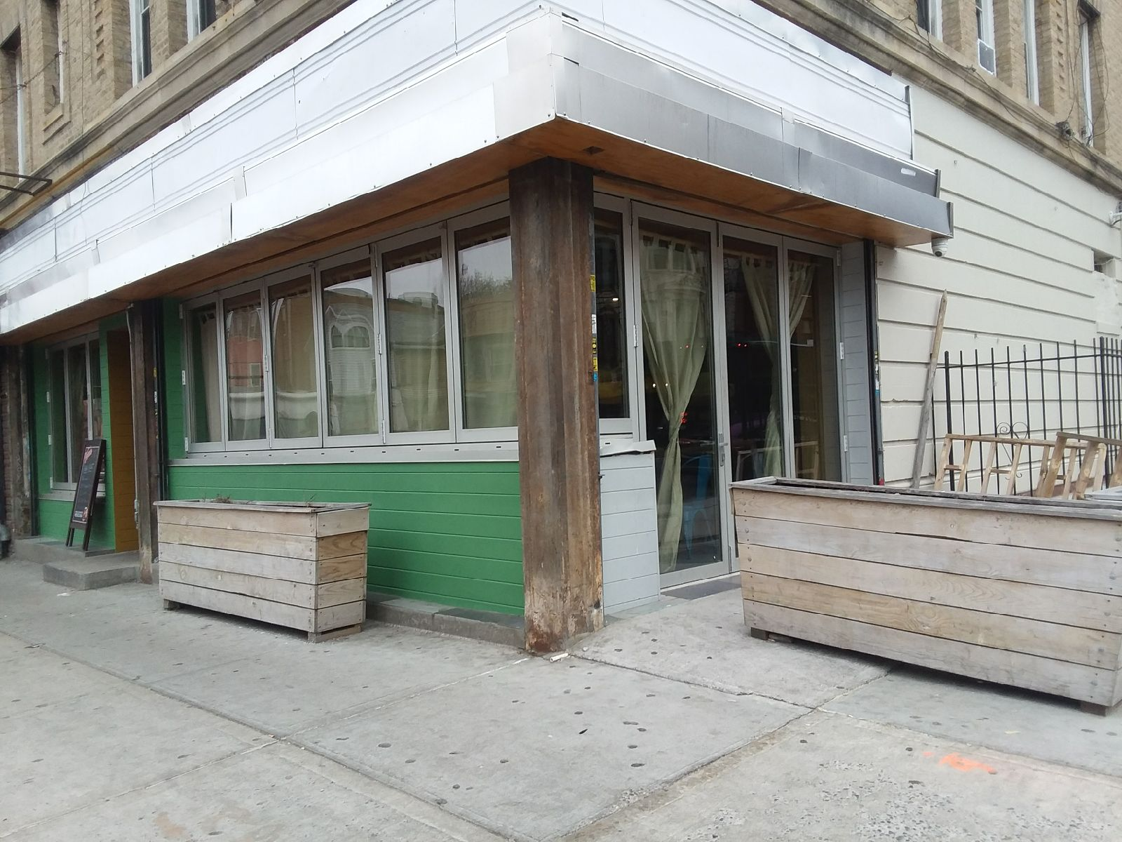 OBK Oyo's Bar and Grill (formerly Summerhill) at 637 Nostrand Avenue. (Photo credit: Roger Myers)