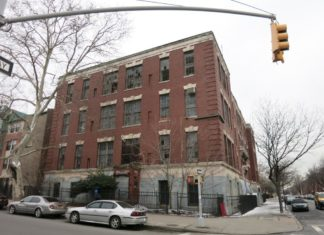 Shuttered for 20 years, PS 83, located at 1634 Dean St. at the corner of Schenectady is being converted into a 62-unit apartment building) (Photo: Property Shark)