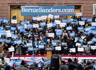 Bernie Sanders rally at Brooklyn College in Midwood. (Photo: Zainab Iqbal/Bklyner)