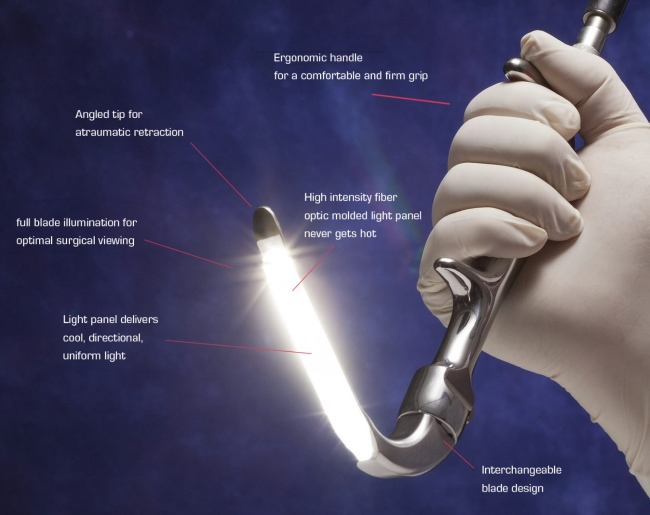 LumiView™ Cool Light Fiber Optic Retractor System Features