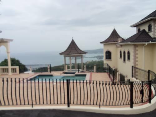 Serenity Sea View