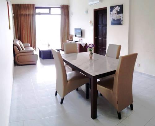 Alison @ Seaview Condominium