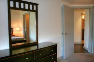 2 Br Apartment Downtown Avr 997