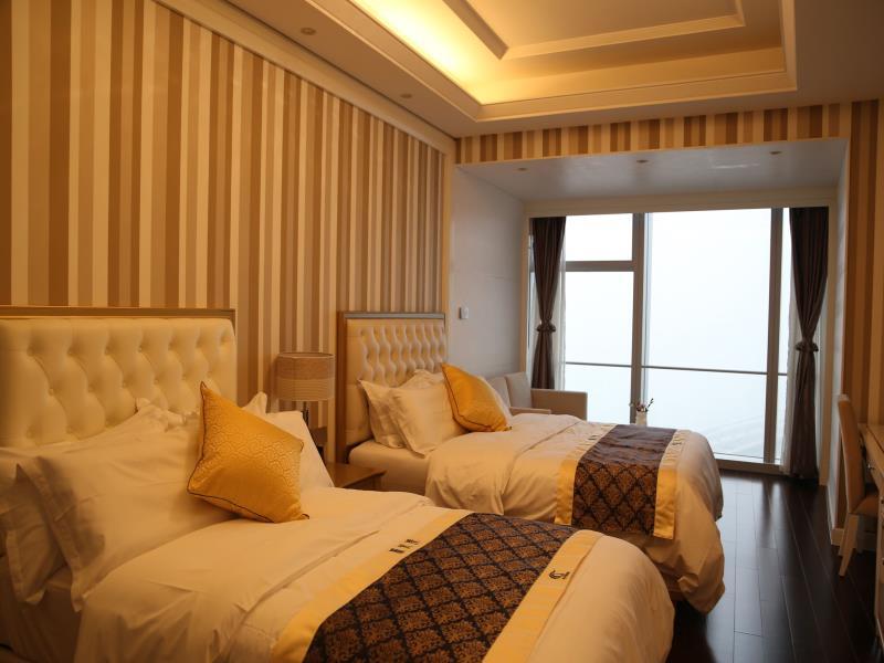 Xiamen Shimao Strait Tower Seaview Apartment Hotel