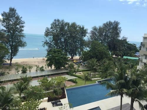 By The Sea @ Luxury Suites Batu Ferringhi