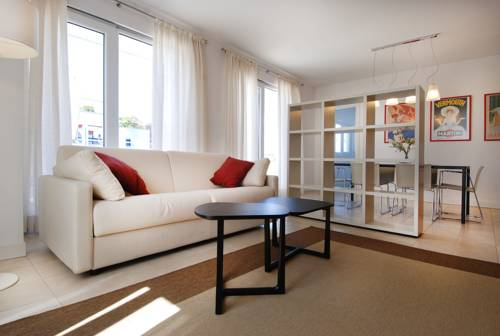 Biondelli Halldis Apartments