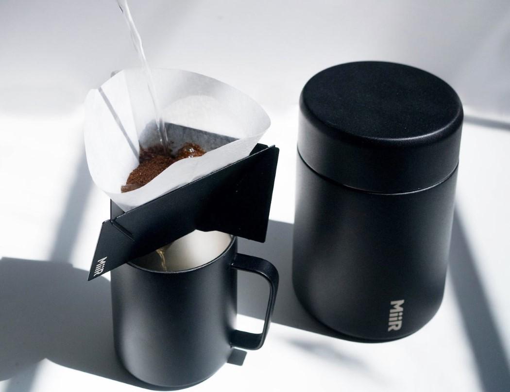 best portable espresso maker 2018, portable espresso maker that heats water, portable coffee pod machine, portable cappuccino maker, nanopresso portable espresso maker, wacaco nanopresso portable espresso maker, best portable coffee maker 2019, espresso machine