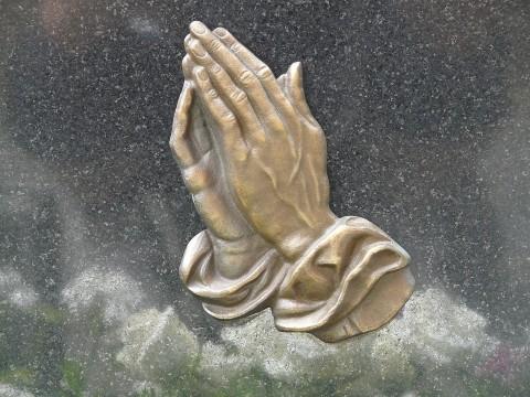 Cât cântărește o rugăciune?