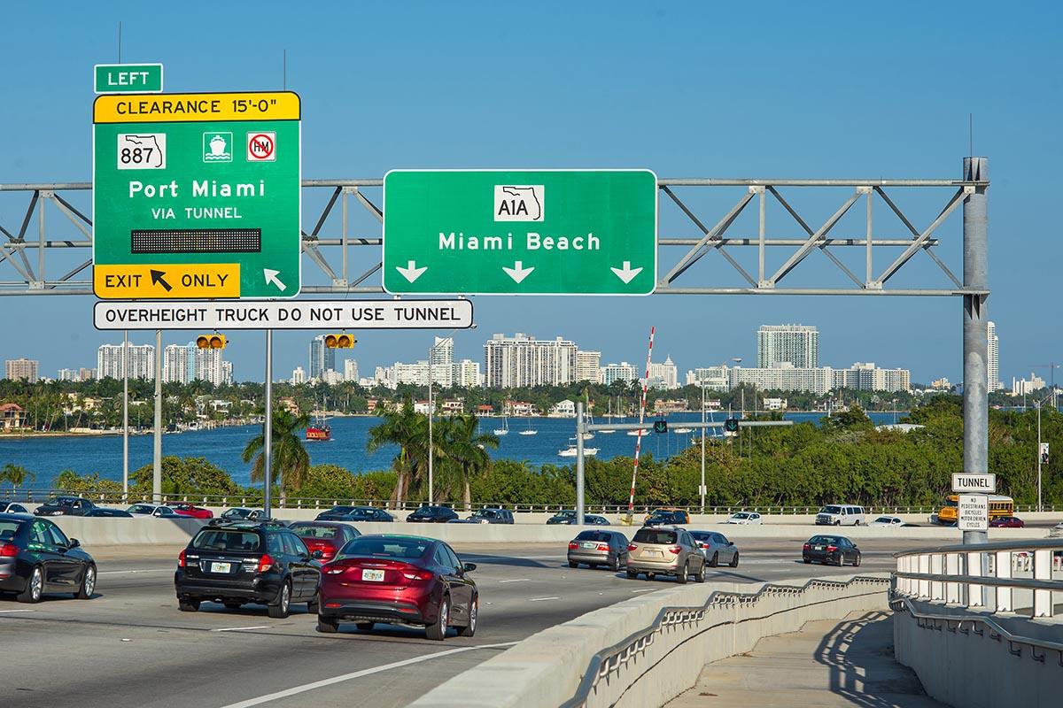 Alquilar auto en Miami es necesario
