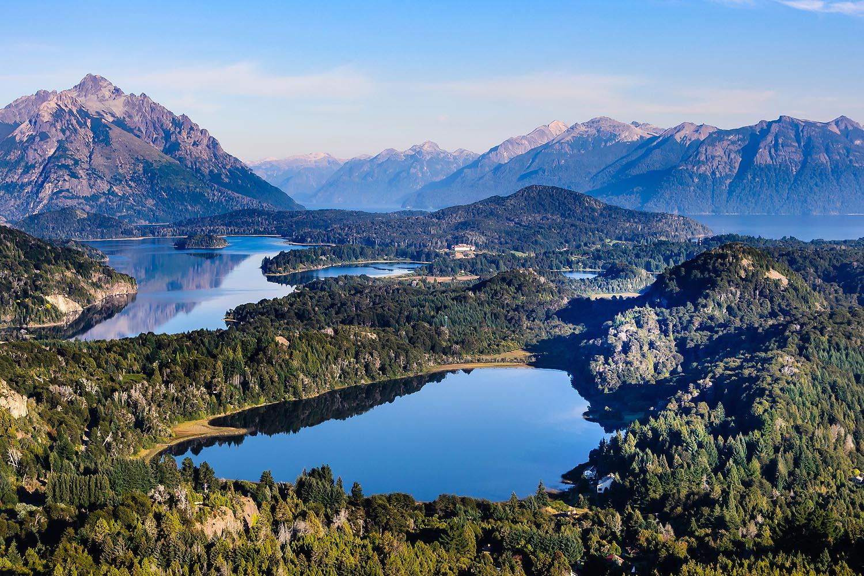 Una de las vistas más espectaculares del planeta está en Bariloche: sólo hay que subir al Cerro Campanario