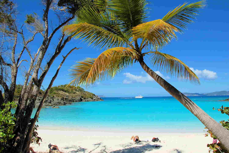 Trunk Bay es una de las playas más fotografiadas del Caribe y del mundo