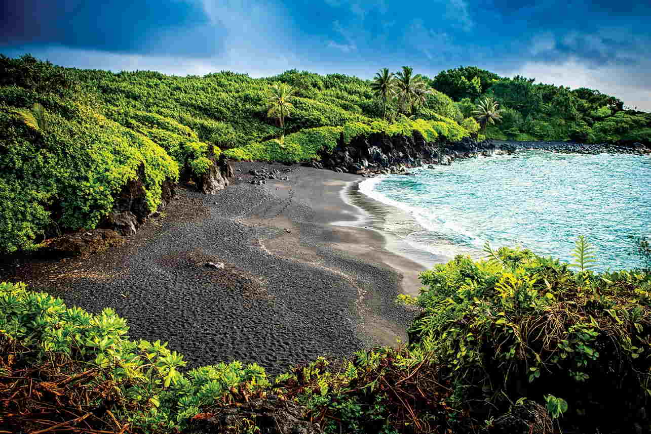 En esta playa, van a encontrar el costado más salvaje y virgen de Hawaii