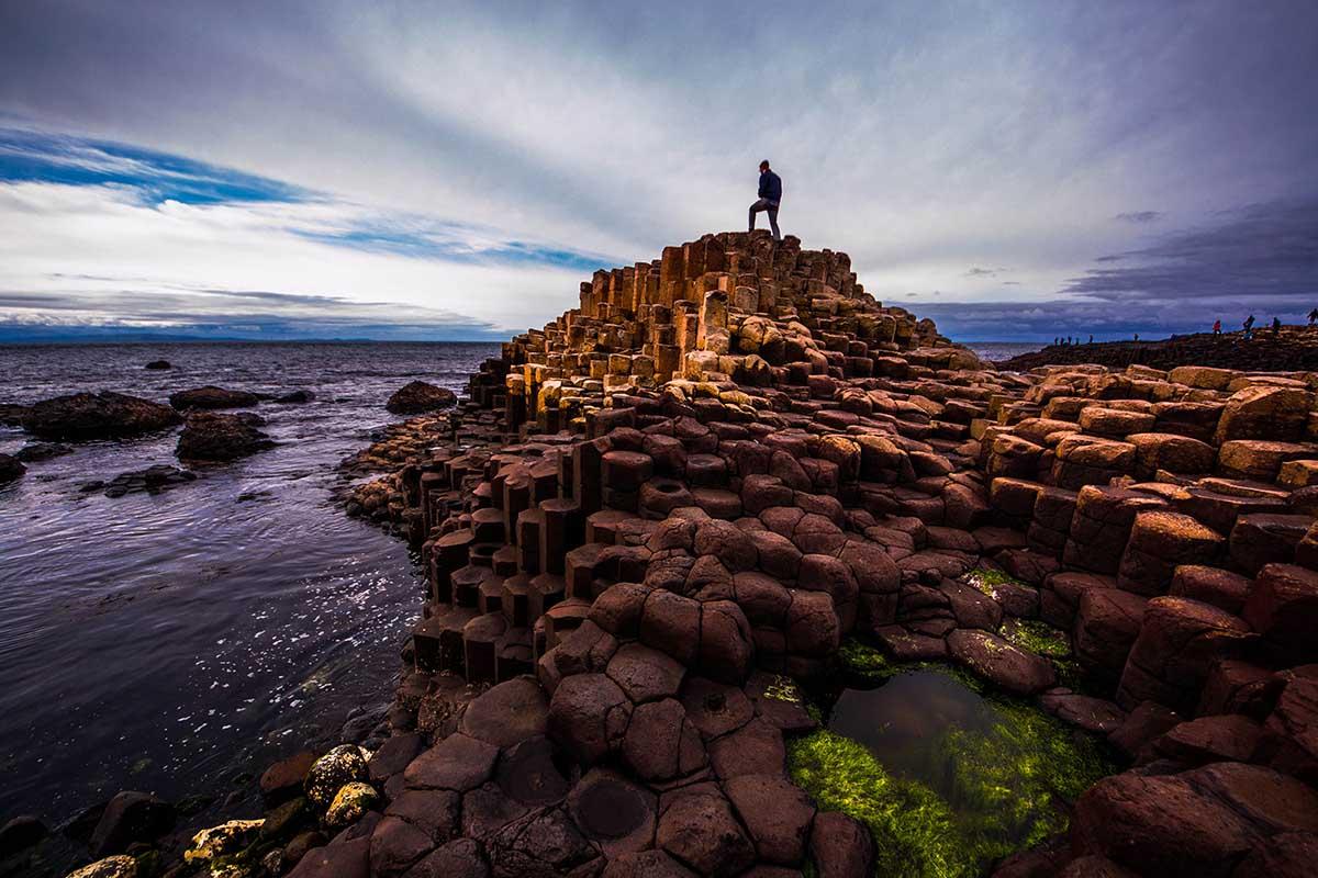 Giants Causeway, en Irlanda, es sin dudas una de las playas más exóticas del mundo