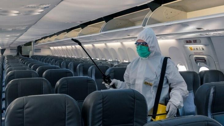 Varias de las medidas de las aerolíneas por el COVID-19 tienen que ver con el cuidado de la higiene a bordo