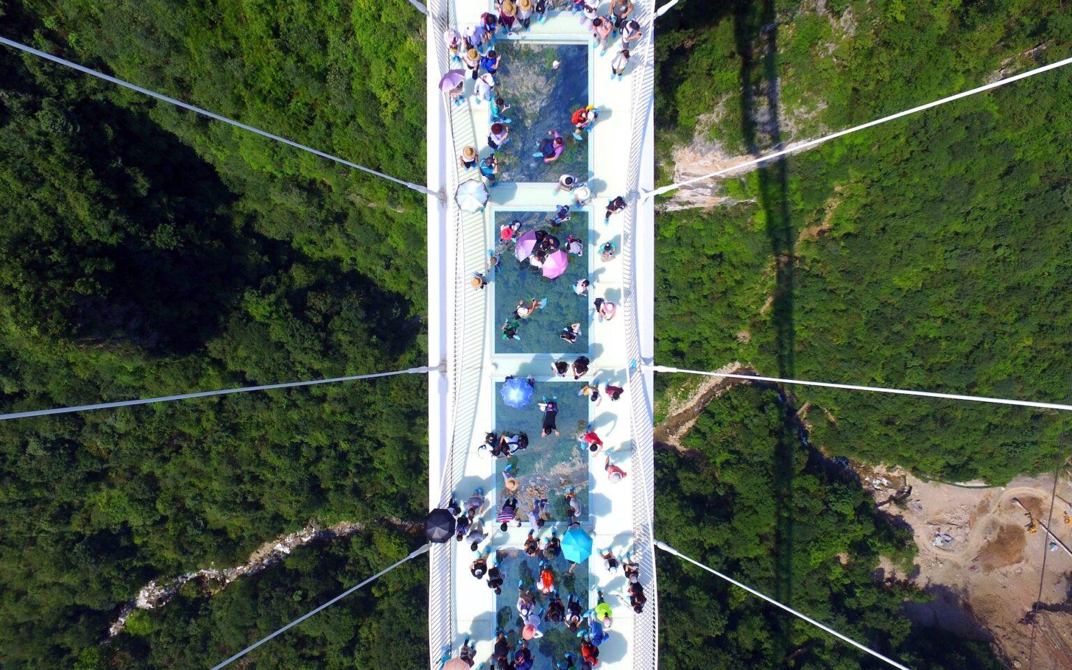 El puente de vidrio más largo del mundo