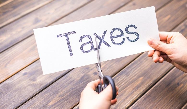 النفط يهوي 6% ومؤشرات اميركا أمام تحدي رفع الضرائب
