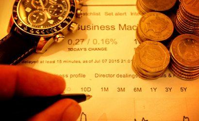 رفع هدف تيسلا بعد النتائج القياسية وسهم IBM يهوي وAT&T يرتفع بعد النتائج